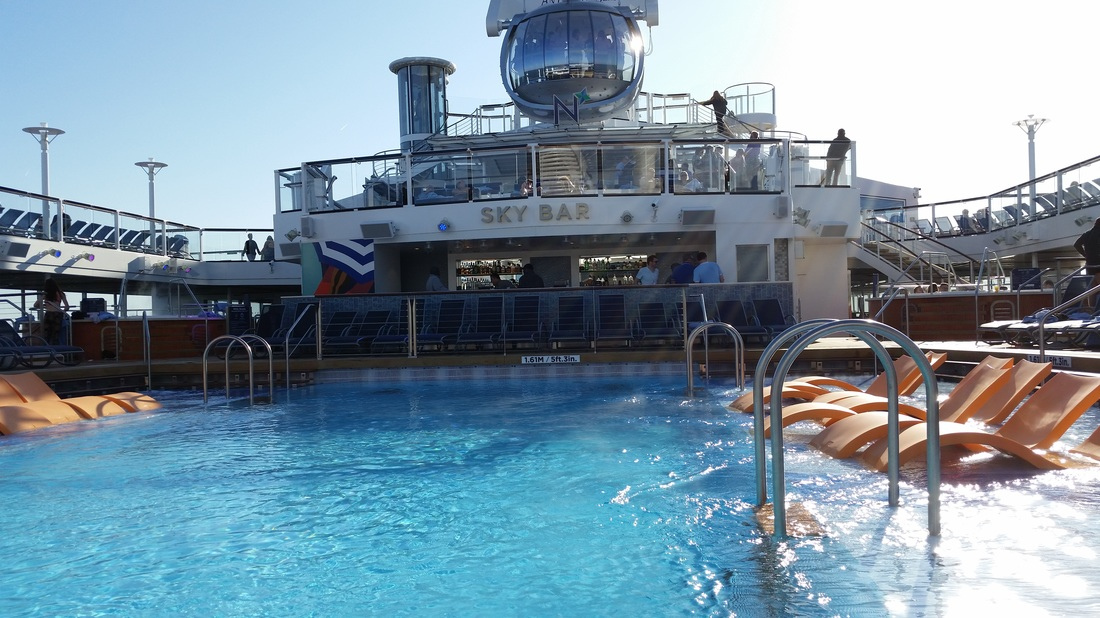 Outdoor pool on Royal Caribbean Anthem of the Seas