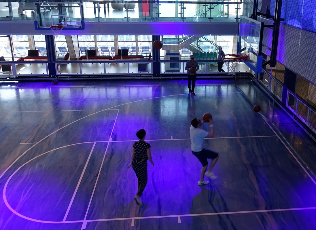 Basketball in SeaPlex on Royal Caribbean Anthem of the Seas