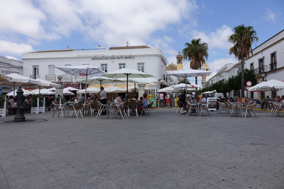 The town square offers a mix of eateries and al fresco afternoon meals in the white village of Arcos de la Frontera.