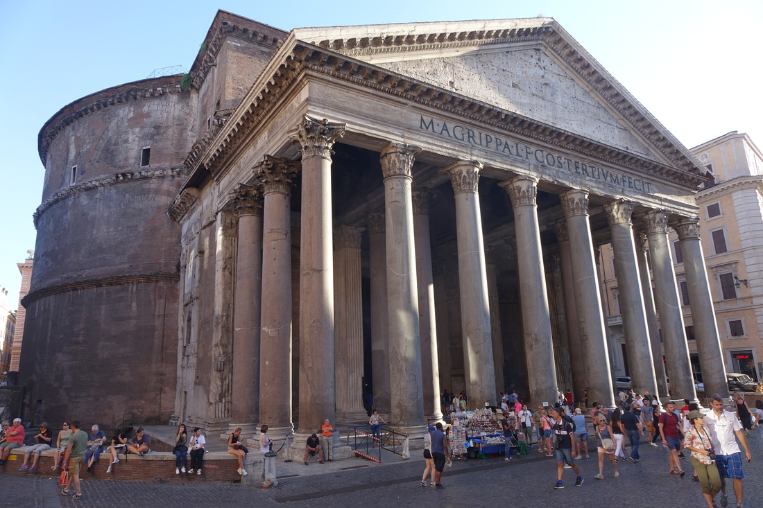 The Pantheon is an impressive attraction in Rome
