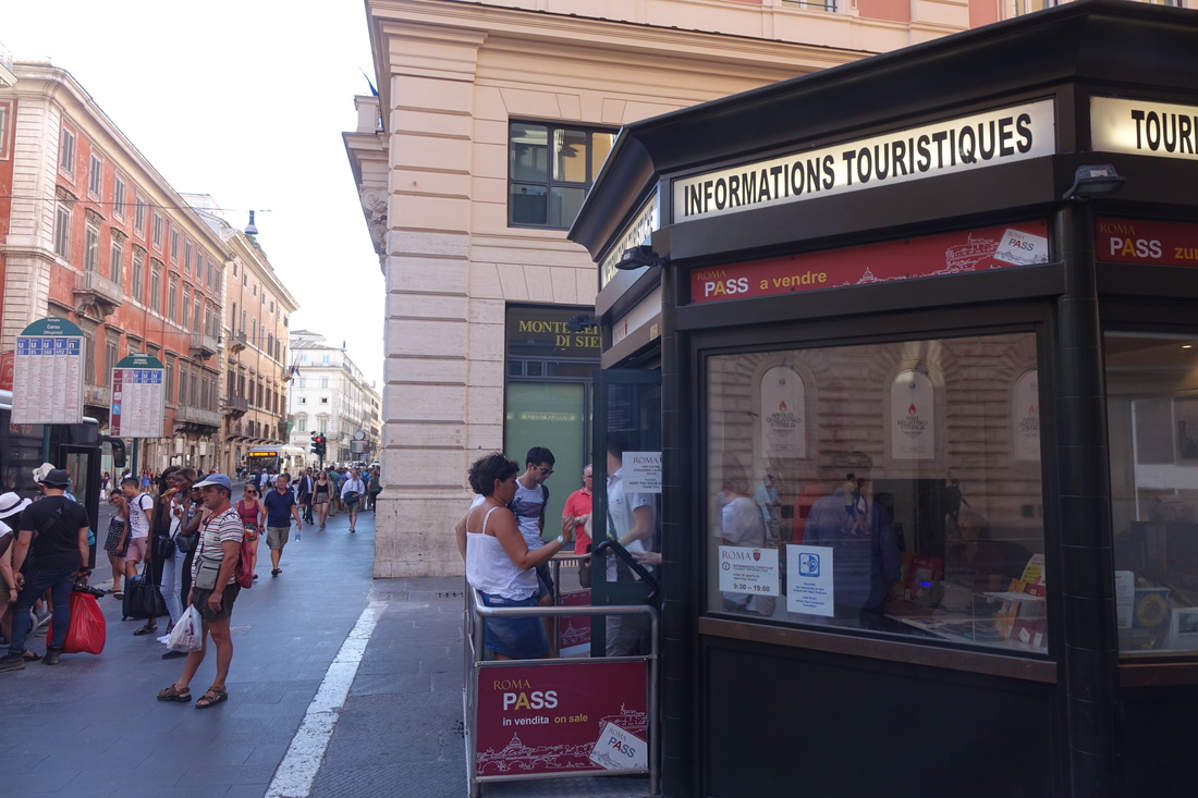 Tourism information kiosk in Rome